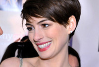 Anne-hathaway-waif-haircut-side